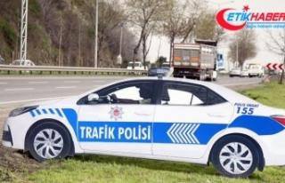 Maket trafik aracının tepe lambası çalındı
