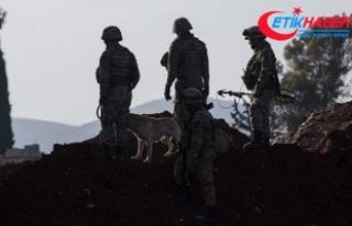 Mehmetçik Afrin'de teröristlere ait sığınakları...