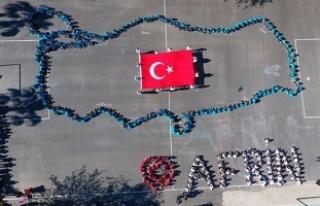 Öğrenciler, Türkiye haritası oluşturup, 'Afrin'...