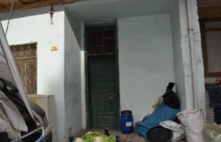 Ölen yazarın evini temizleyen işçiler, 130 bin...