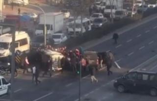 Polis aracı kamyonetle çarpıştı: 2 polis yaralı