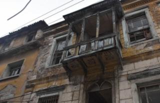 Tarihi binaların korunması için 'zorunlu çatı...