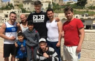 Türk kulübün boksöründen Filistinli çocuklara...
