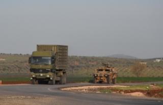 Diyarbakır'da askeri araca terör saldırısı:...