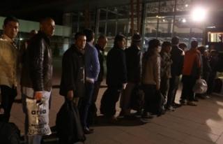 Afganistan uyruklu 6 bin 846 kaçak göçmen ülkesine...
