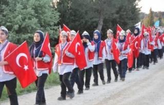 Çanakkale'de 10 bin Türk, dedelerinin izinde...