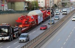 'Dev trafo' karayoluyla taşındı