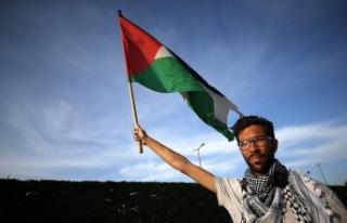Filistin için İsveç'ten yola çıkan Ladraa,...