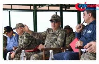 Genelkurmay Başkanı Akar, İzmir'de denetimlerde...