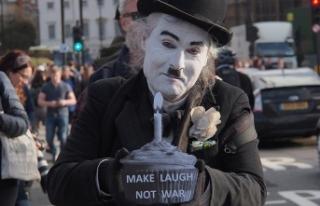 İngiltere'de Suriye operasyonu protestosu