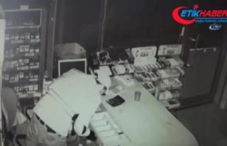Marketin kasasını 15 saniyede soydu