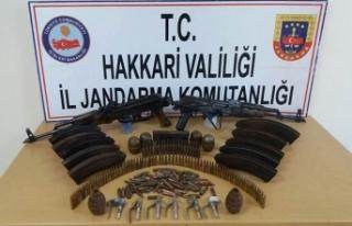 Yüksekova ve Çukurca'da PKK cephaneliği ele...