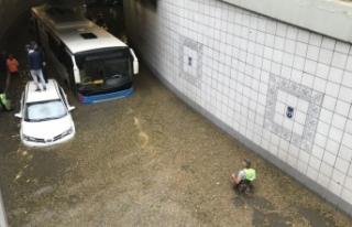 Ankara'da şiddetli yağış hayatı olumsuz...