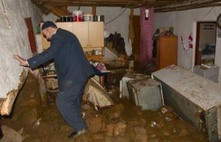 Bursa'da sel tahribatı, gün ağarınca ortaya...