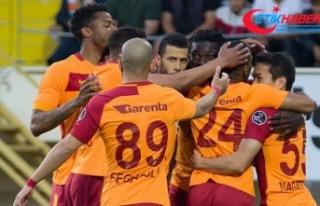 Galatasaray'da 18 futbolcunun ilk şampiyonluk...