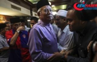 Malezya'da eski başbakanın evine şok baskın