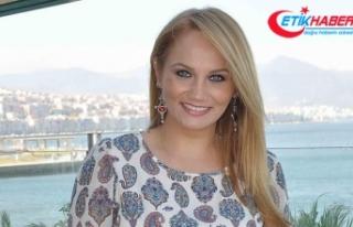 Pınar Aydınlar'a 'terör propagandası'ndan...