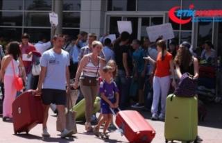 Rus turistlerin yarısı mayısta Türkiye'yi...