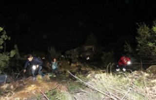 Şarampole yuvarlanan kamyondan atlayan muhtar öldü