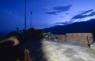 Şırnak'ta kadın terörist teslim oldu