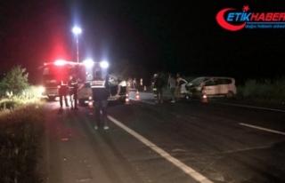 Tekirdağ'da otomobiller çarpıştı: 2 ölü,...