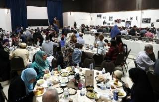 ABD'deki iftarda yüzlerce Müslüman bir araya...