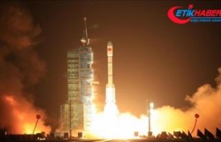 Hindistan'dan uzay programına 1,5 milyar dolarlık...