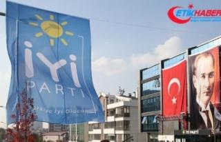 İP'te istifa depremi
