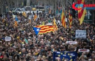 Katalonya yönetimi bağımsızlıkta ısrarlı