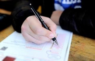 Liselere girişte uygulanan merkezi sınav başladı