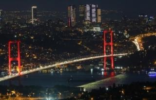 15 Temmuz Şehitler Köprüsü'nde ışıklar...