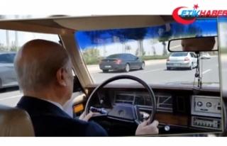 MHP Lideri Bahçeli klasik otomobili ile başkent...