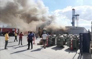 Başkent'te elektrik firmasında yangın