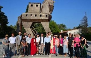 Çinli Bakan Shugang Troya Antik Kenti'ni ziyaret...
