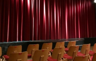 'Devlet tiyatroları kapatıldı' haberine...
