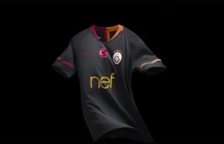 Galatasaray'ın dış saha forması satışa...