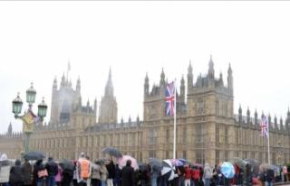 """İngiltere """"Yahudi ulus devlet"""" yasasından..."""