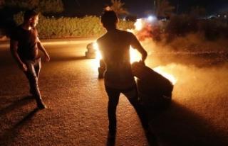 Irak'ta protestocular İran Sınır Kapısı...