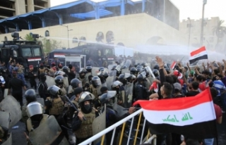 Irak'taki gösteriler ardında 14 ölü, 700'den...