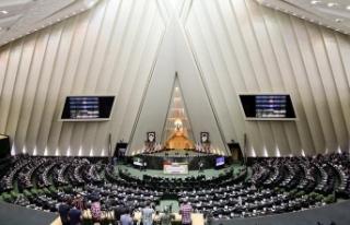 İranlı milletvekilinden yönetime eleştiri: 40...