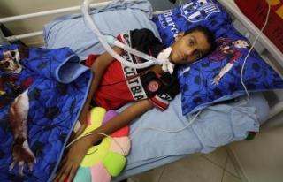 İsrail kurşunuyla felç olan Filistinli çocuk Türkiye'de...