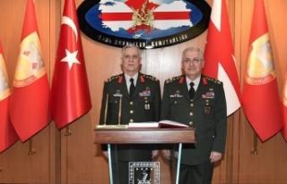 Kara Kuvvetleri Komutanlığında devir teslim töreni