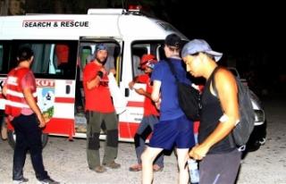 Likya Yolu'nda kaybolan turistleri AKUT ekibi...