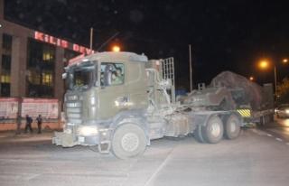Münbiç ve Tel Rıfat sınırına sevkıyat sürüyor