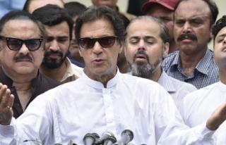 Pakistan'da Han liderliğindeki PTI seçimi önde...