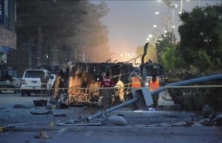 Pakistan'da iki mitingde bombalı saldırı:...