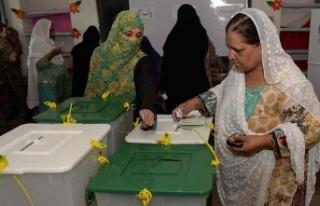 Pakistan'da oy verme işlemi sona erdi