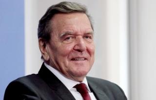 Schröder'den Maas'a 'Mesut Özil'...