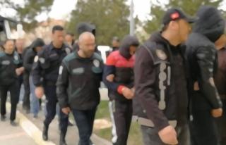 Silah ve tarihi eser kaçakçılarına operasyon:...