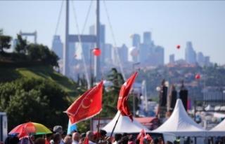 Vatandaşlar 15 Temmuz Şehitler Köprüsü'ne...
